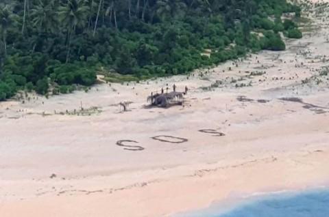 Tanda SOS Selamatkan 3 Pria di Pulau Pasifik