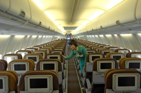 Pengamat: Tak Masalah Jika Kursi Tengah Pesawat Diisi
