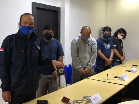 Menyekap Warga, 5 Penipu Mengaku BNN Ditangkap