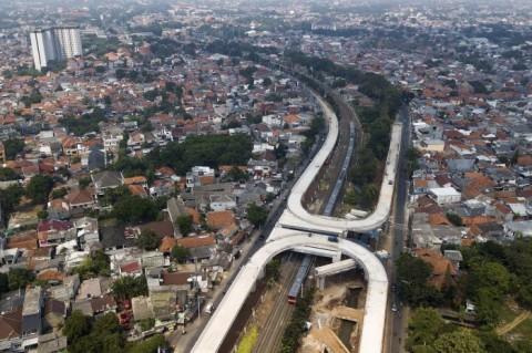 Anies Sebut Pembangunan Jalan Layang Tapal Kuda Sudah 75%