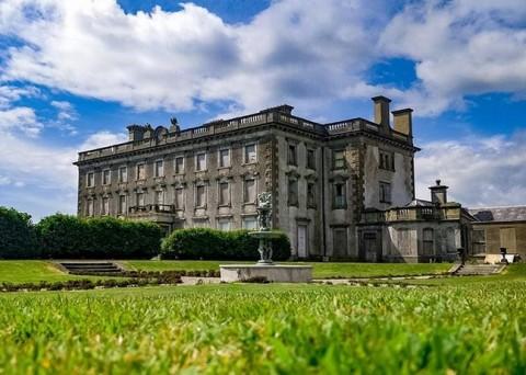 Rumah Mewah Berhantu di Irlandia Dijual, Berminat?