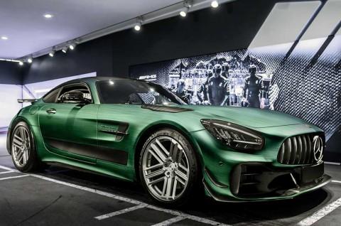 Modifikasi Interior Mercedes-AMG GT R Pro Garapan Carlex Design