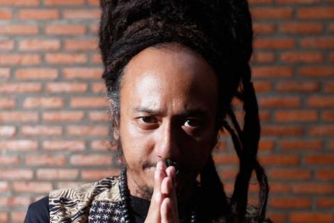 Ras Muhamad Rilis Album Internasional Bertajuk Satryo