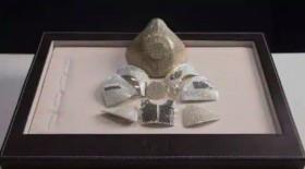 Perusahaan Perhiasan Buat Masker Seharga Rp22 Miliar