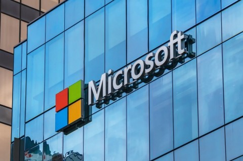 Microsoft Rombak Tim Pengembang Windows