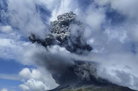 Gunung Sinabung Erupsi Lagi, Tinggi Kolom Capai 5 Km