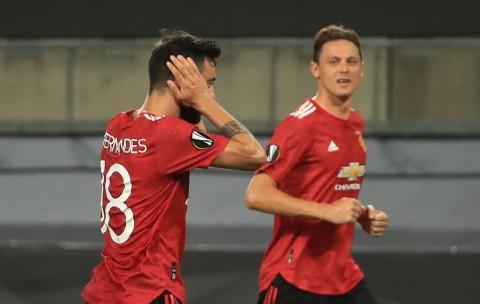 Gol Penalti Fernandes Antarkan MU ke Semifinal