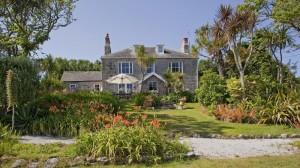 Dolphin House, Rumah Berlibur Keluarga Inggris