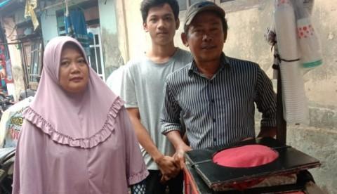 #BangkitDari Kesulitan Ekonomi, Anak Penjual Es Raih Beasiswa UGM