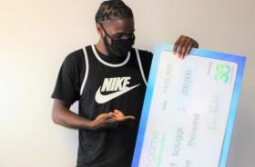 Temani Orangtua Belanja, Pria AS Menang Lotere Rp2,9 Miliar