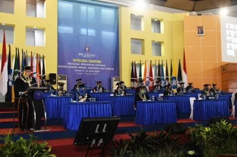 Rektor IPB Mewisuda 186 Lulusan Secara Daring