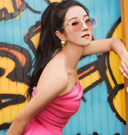 Ide Gaya Vintage Seo Ye-ji Ini Bikin Kamu Terlihat Makin Elegan