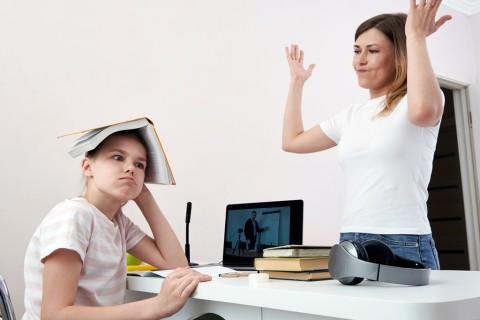 Stres saat Anak Sekolah dari Rumah? Begini Cara Mengaturnya