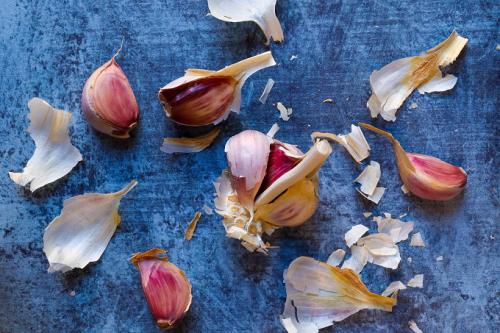 Cara menanam bawang putih mudah kok. Ikuti yuk caranya. (Foto: Unsplash.com)