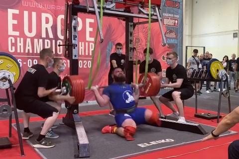 Atlet Angkat Berat Rusia Cedera Lutut Saat Angkat Beban 400 Kg