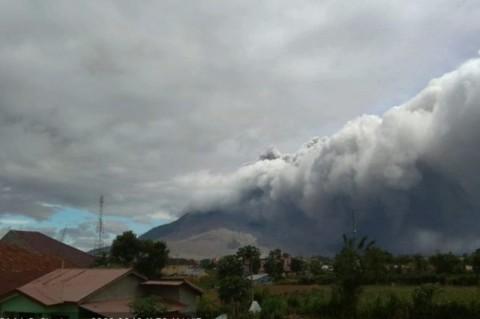 Puskesmas di Karo Siaga 24 Jam Akibat Erupsi Gunung Sinabung