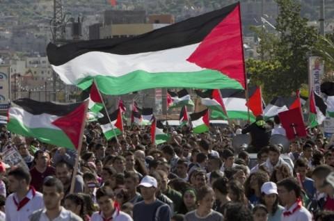 Ribuan Warga Palestina Protes Normalisasi UEA-Israel