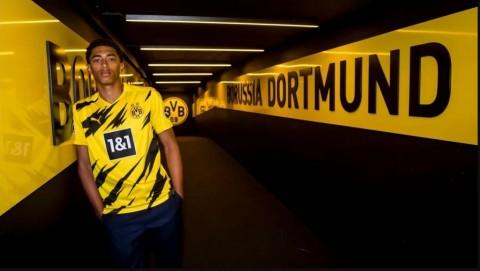 Gelandang Belia Dortmund tak Terbebani Harga Mahal