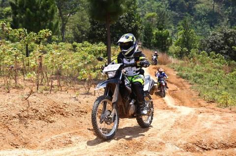 Memaknai Kemerdekaan dan Uji Kemampuan Yamaha WR 155R