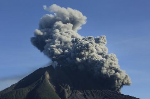 Gunung Sinabung Erupsi Lagi, Warga Diminta Waspada Aliran Lahar