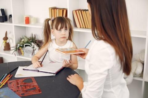 3 Cara Atasi <i>Misbehavior</i> Anak Saat Belajar dari Rumah