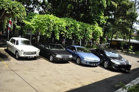 PLA Jadi Payung Komunitas Mobil Langka Peugeot di Indonesia
