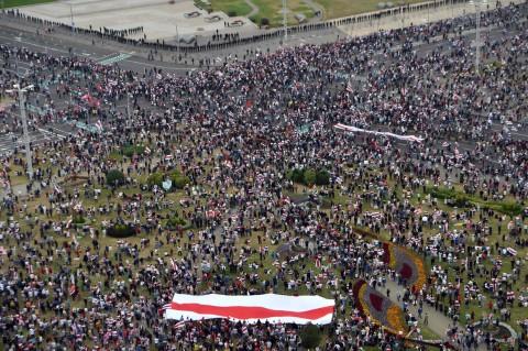 Tuntut Presiden Lukashenko Mundur, Puluhan Ribu Demonstran Padati Minsk