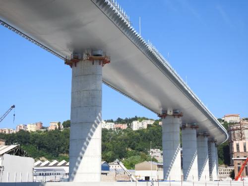 Jembatan San Giorgio, Italia. (Foto: Dok. Architecturaldigest.com)