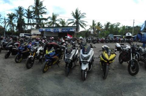 YRFI Bali Bersatu di Penangkaran Penyu