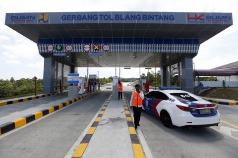 President Jokowi Inaugurates Toll Road in Aceh