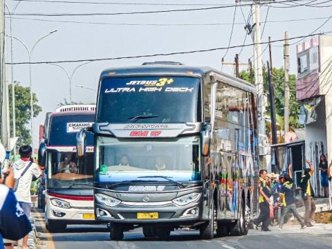 Rancang Bangun Bus UHD di Mata Bismania