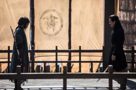 Joe Taslim Rasakan Tekanan Besar Perankan Pendekar di Film The Swordsman