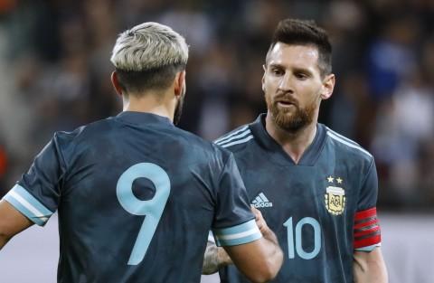 Sergio Aguero Beri Sinyal Lionel Messi Gabung Manchester City