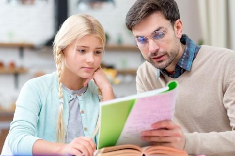 5 Tips untuk Orang Tua saat Mendampingi Anak Belajar