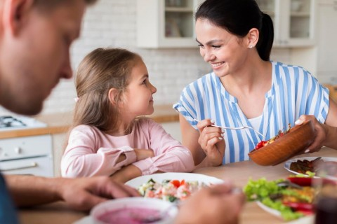 Nutrisi Memengaruhi Hormon Anak