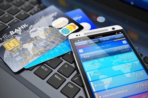 Masyarakat Didorong Gunakan <i>Digital Banking</i> saat Transfer Uang
