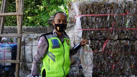 Polisi Rongsok Pengayom Kaum Marginal