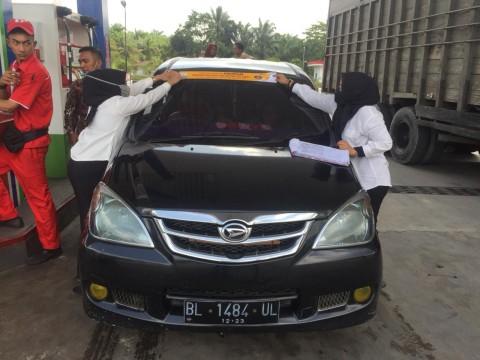 Pertamina Aceh Pasang 6.000 Stiker Sindiran untuk Mobil Mewah