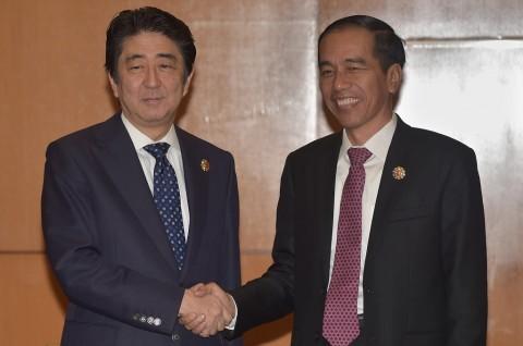 Jokowi Doakan Shinzo Abe Sehat Selalu