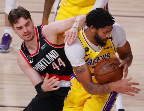 LA Lakers Melaju ke Semifinal Wilayah Barat