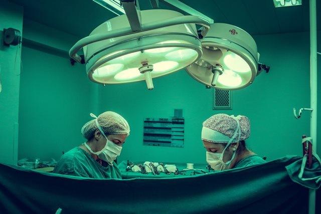 12 Faktor yang Meningkatkan Risiko Munculnya Kanker Usus ...