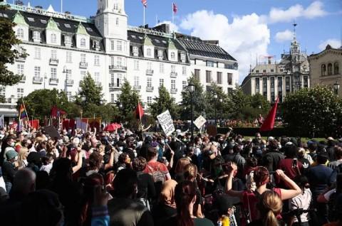 Perobekan Alquran dalam Aksi Demo Norwegia Berujung Bentrok