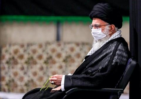 Ayatollah Khamenei Sebut Uni Emirat Arab Khianati Muslim Dunia