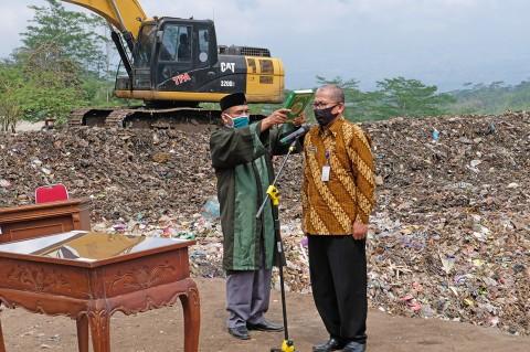 Pejabat Lingkungan Hidup Temanggung Dilantik di Tempat Pembuangan Sampah
