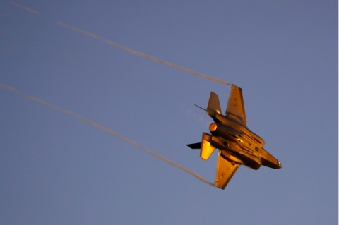 Jet Tempur Israel Serang Pangkalan Udara di Suriah