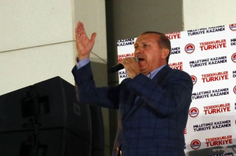 Erdogan Ancam Yunani akan Rasakan 'Pengalaman Menyakitkan'