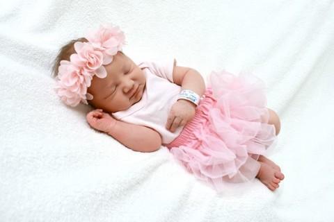 Kulit Bayi Baru Lahir Menyerap Sentuhan Menenangkan