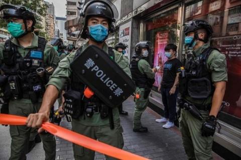 Polisi Hong Kong Tangkap Ratusan Orang atas Penundaan Pemilu