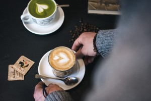 Matcha vs Kopi: Manakah yang Mengandung Lebih Banyak Kafein?