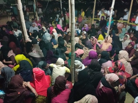 297 Stranded Rohingya Refugees Moved to Temporary Shelter in Lhokseumawe